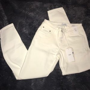 💋NWT CLOSED skinny jeans!